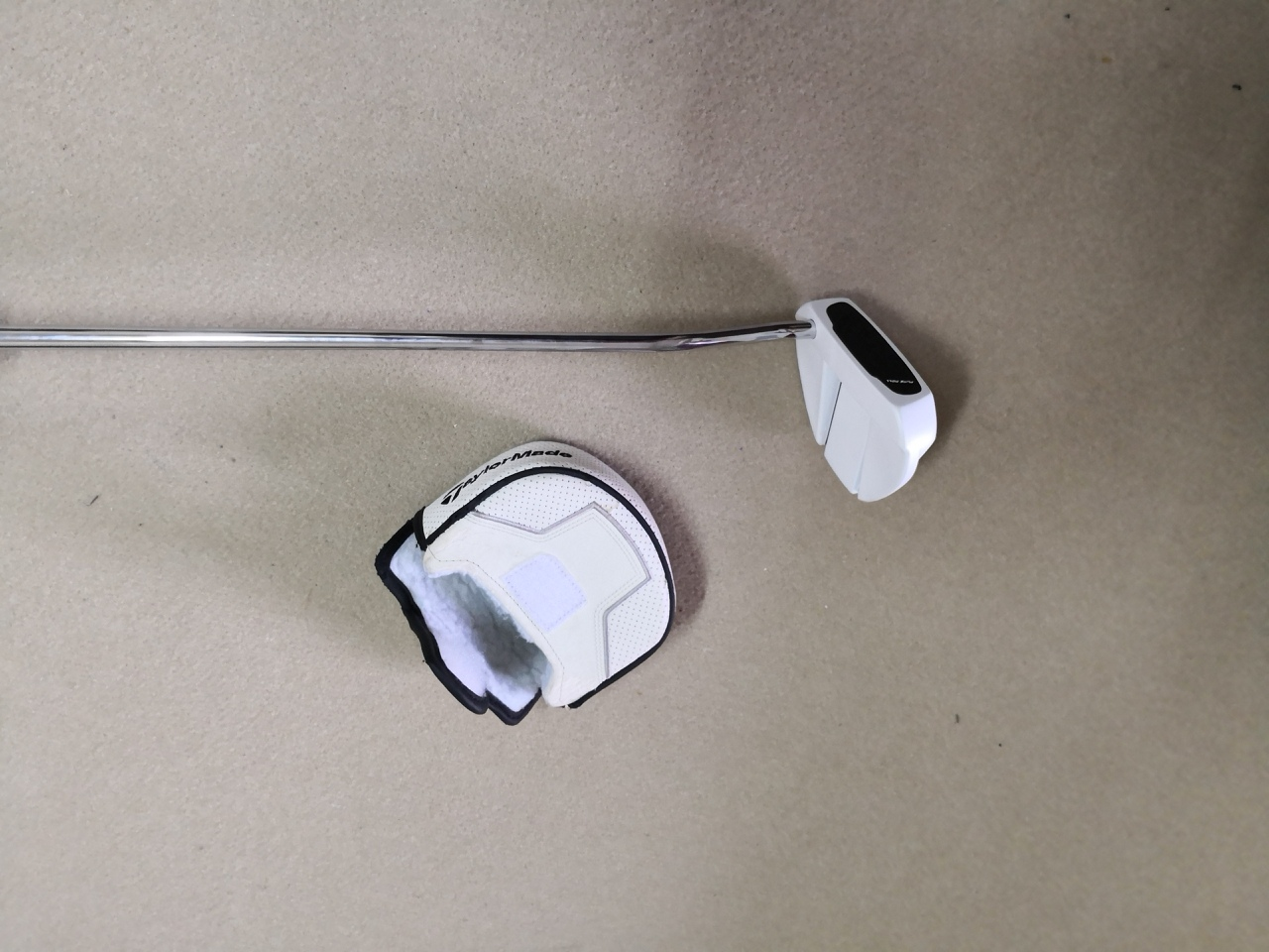 Putter taylormade ghost manta