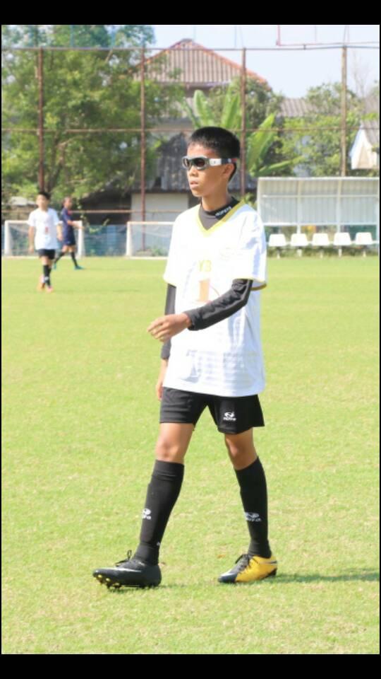 แว่นตาฟุตบอล บาสเก็ตบอล เด็ก 5-15 ปี นำมาใส่เลนส์สายตาได้