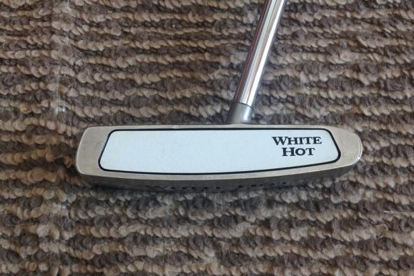พัตเตอร์ ODYSSEY White Hot #2 ราคา1,200.-